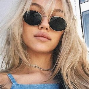 Accessories - 😎Trendy Oval Sunglasses😎